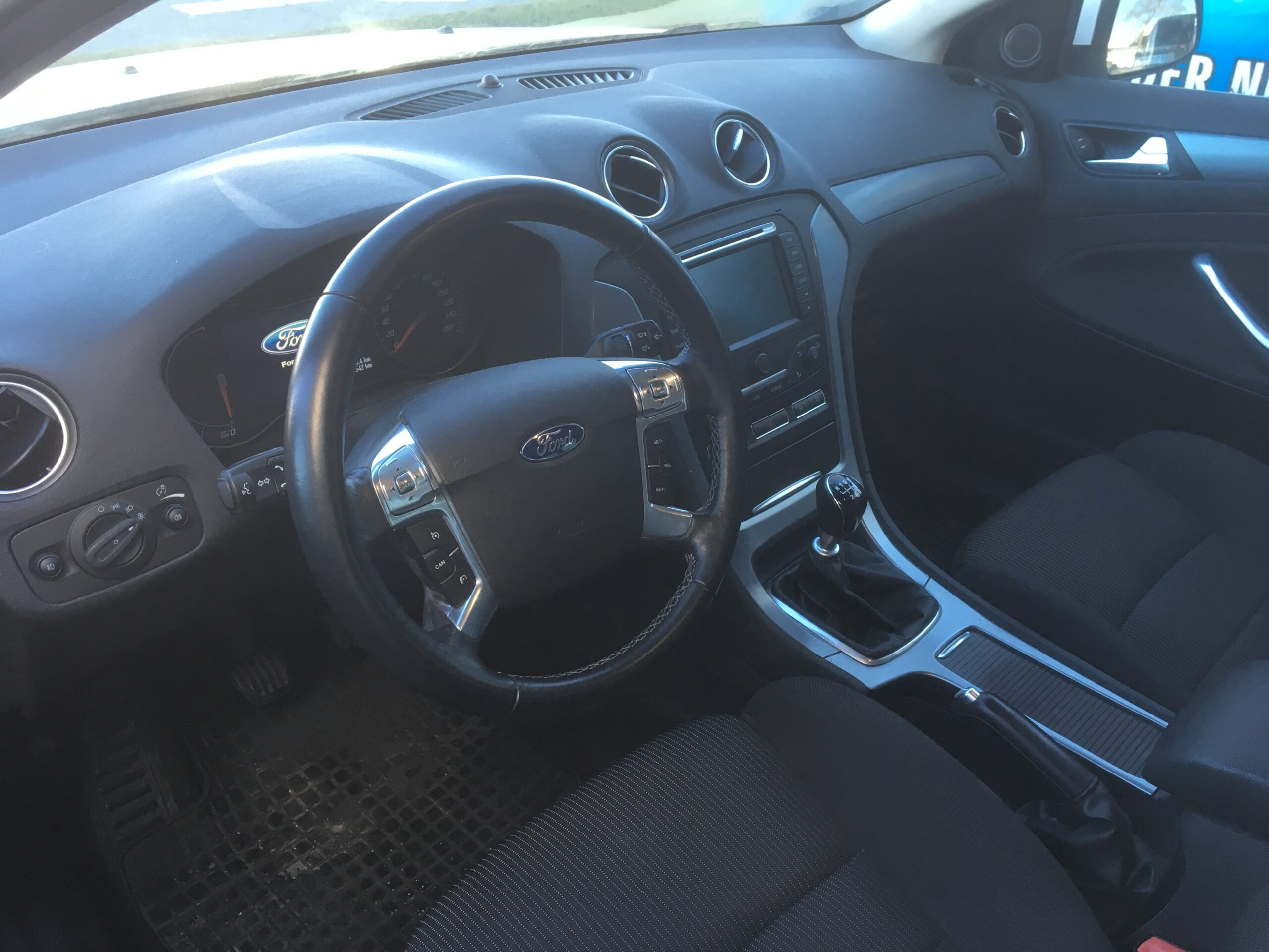 Ford Mondeo Traveller Titanium 1.6 TDCi full