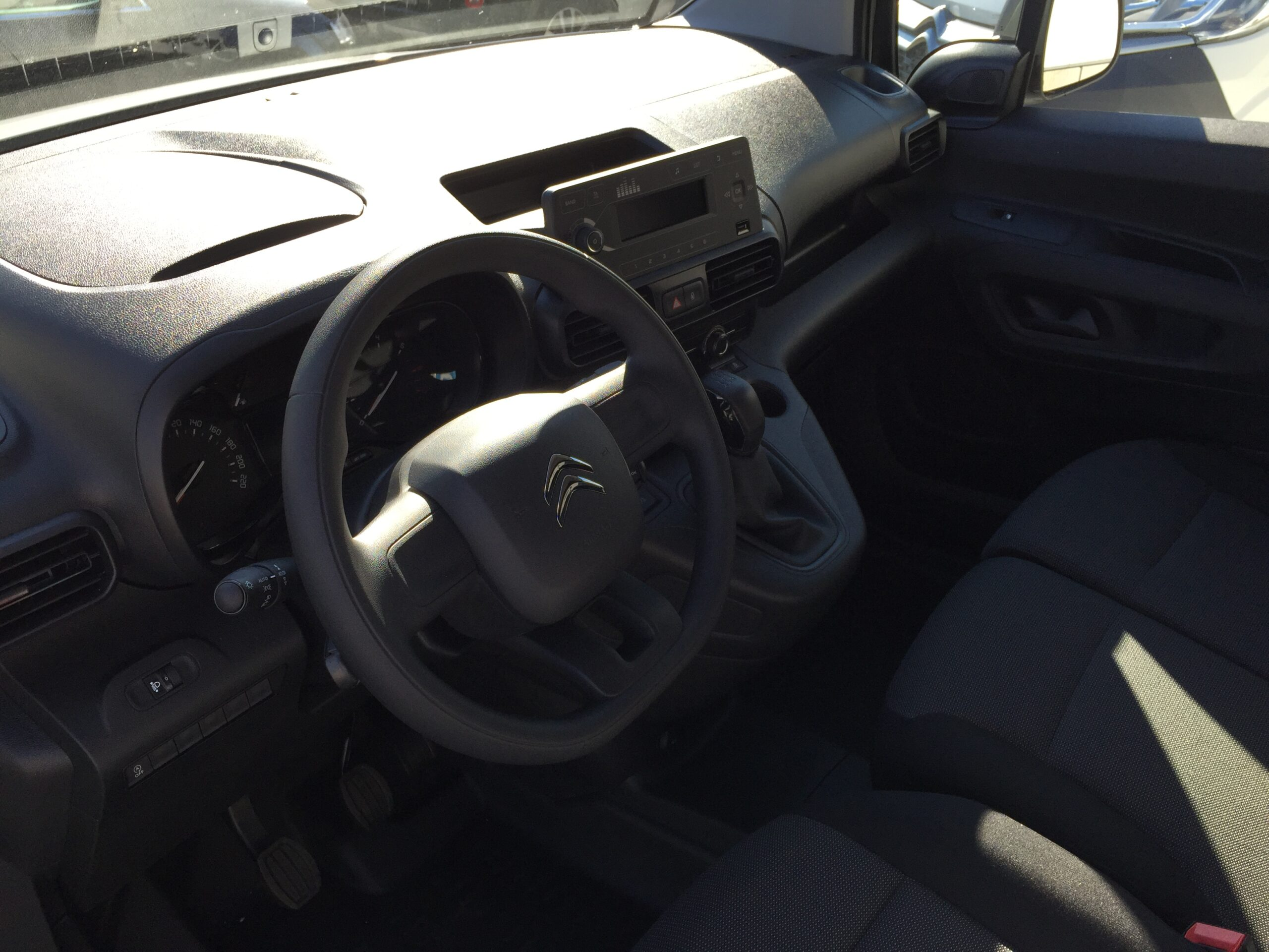 Citroen Berlingo KW M BlueHDi 75 Komfort Plus, NEUWAGEN full